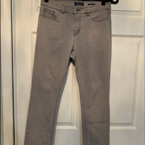 Woman's grey charter club jeans